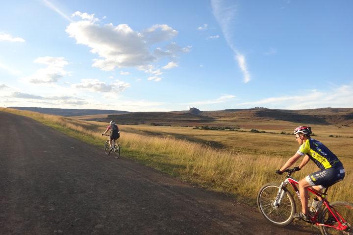 no-mans-land-tours-trail-riding-detour-trails-off-road-adventure-mountain-bikes